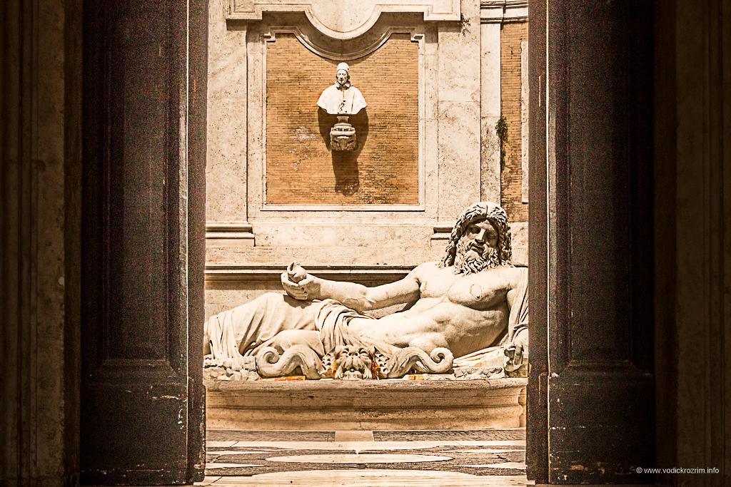 Statue koje govore - Marforio (foto: Ivana Bubanj/Vodič kroz Rim)