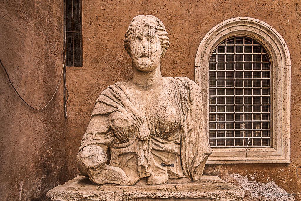 Statue koje govore - Dama Lukrecija