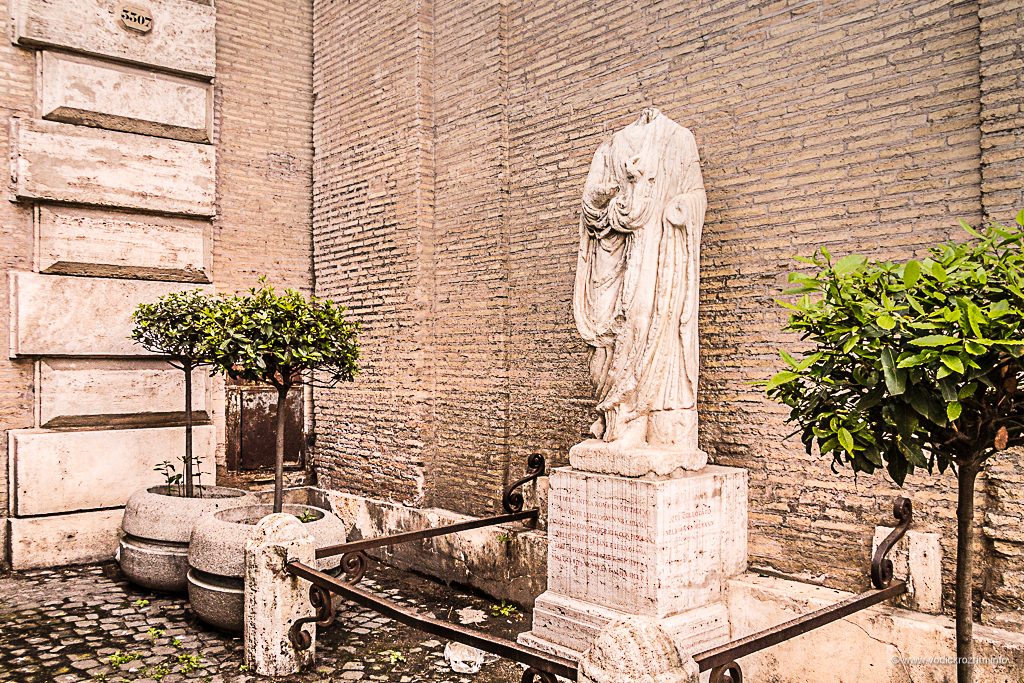 Statue koje govore - Opat Luiđi (foto: Ivana Bubanj/Vodič kroz Rim)