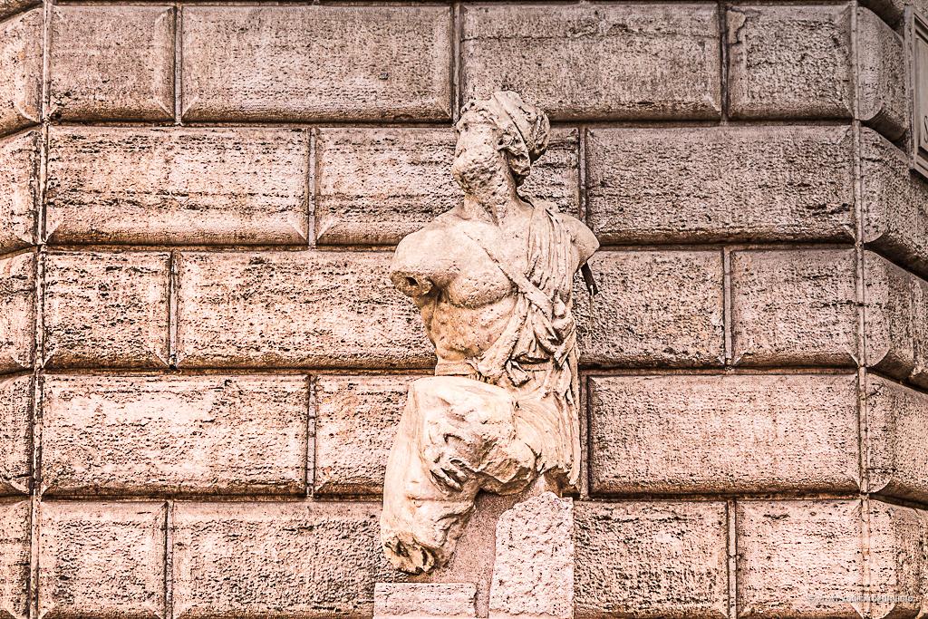 Statue koje govore - Paskvino (foto: Ivana Bubanj/Vodič kroz Rim)