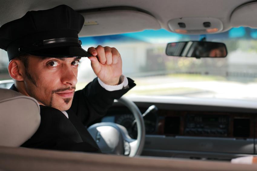 ko ne voli da po njega dođe livrejisani šofer u crnom mercedesu